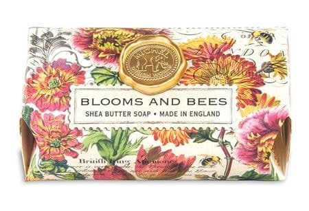 Michel Design Works Hydratačné krémové mydlo Blooms And Bees (Shea Butter Soap) 246 g
