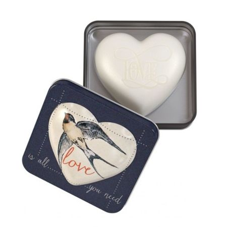 Somerset Toiletry Luxusné tuhé mydlo v tvare srdca Love Is All You Need (Soap) 150 g