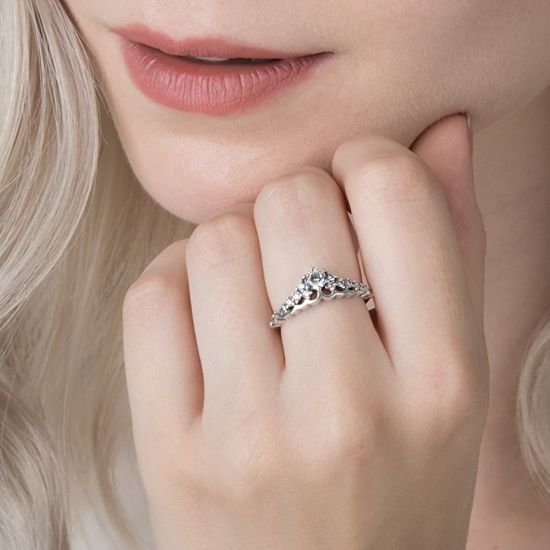 Pandora Svetleč srebrni prstan Tiara 196226CZ srebro 925/1000