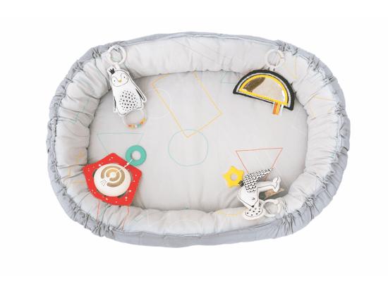 Taf Toys dječje gnijezdo i pokrivač s glazbom, za novorođenčad