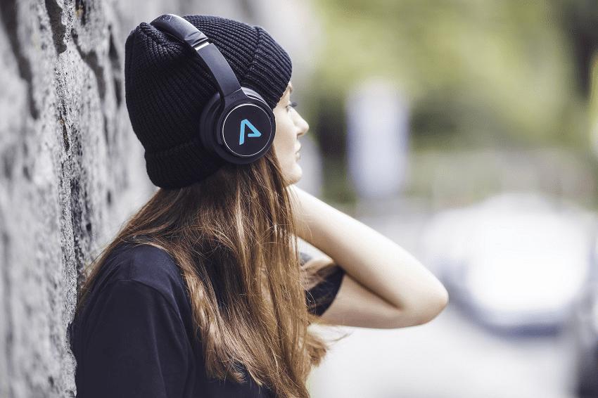 Lamax Muse1 fejhallgató, környezet kizárása, akku működési ideje 22 óra, puha fülpárnák