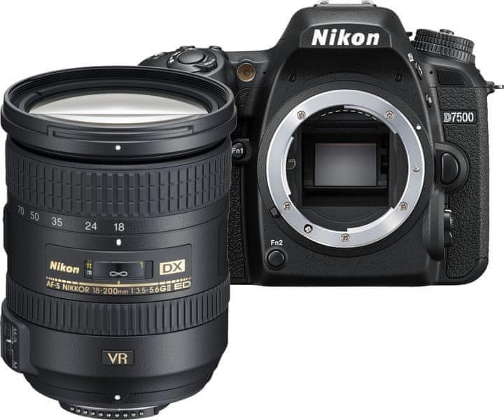 Nikon D7500 + 18-200 VR