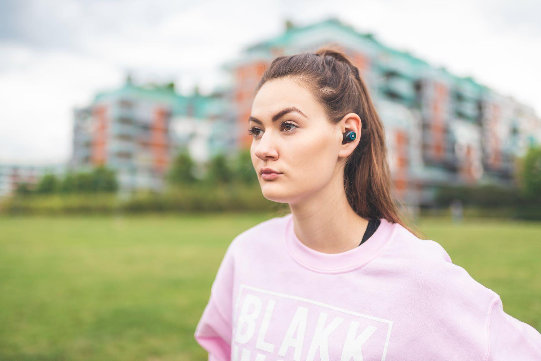 Lamax Dots1 vezeték nélküli fülhallgató biztonságos sportos fül mögötti fogantyúval