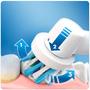 4 - Oral-B električna zobna ščetka in prha Oxyjet+Pro2
