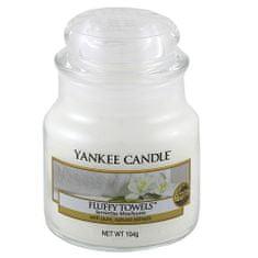 Yankee Candle dišeča sveča Classic mala - mehke brisače, 104 g