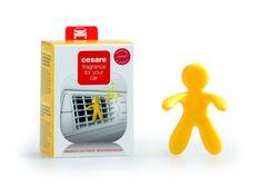 Mr&Mrs Fragrance Automobilová vůně, panáček do auta CESARE BOX, Vanilla - vanilka, žlutá barva