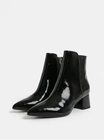 ca494f4caf7 Tamaris černé lesklé kotníkové boty na nízkém podpatku 38