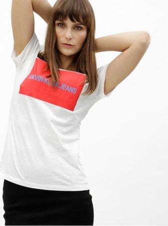 d6945ae8f4a Značka  Calvin Klein Jeans Náš kód  100003024727. bílé dámské tričko s  potiskem M