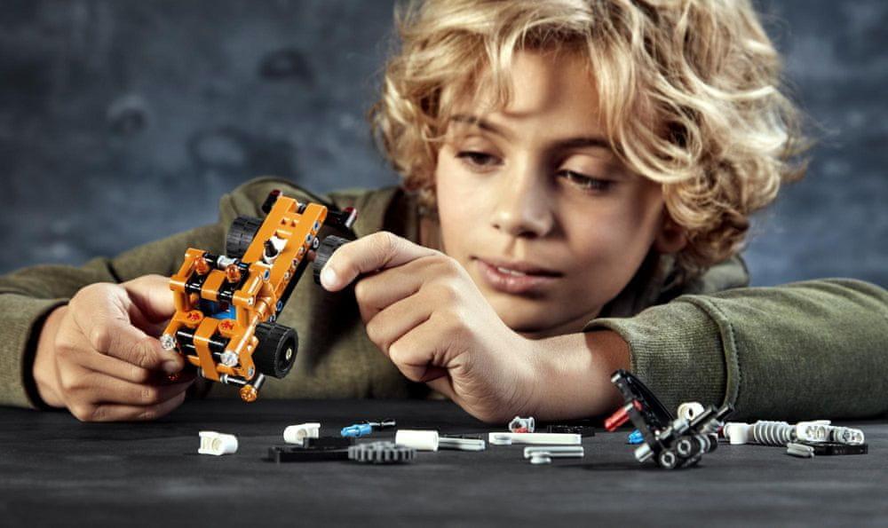 LEGO Technic 42088 Pracovní plošina - rozbaleno
