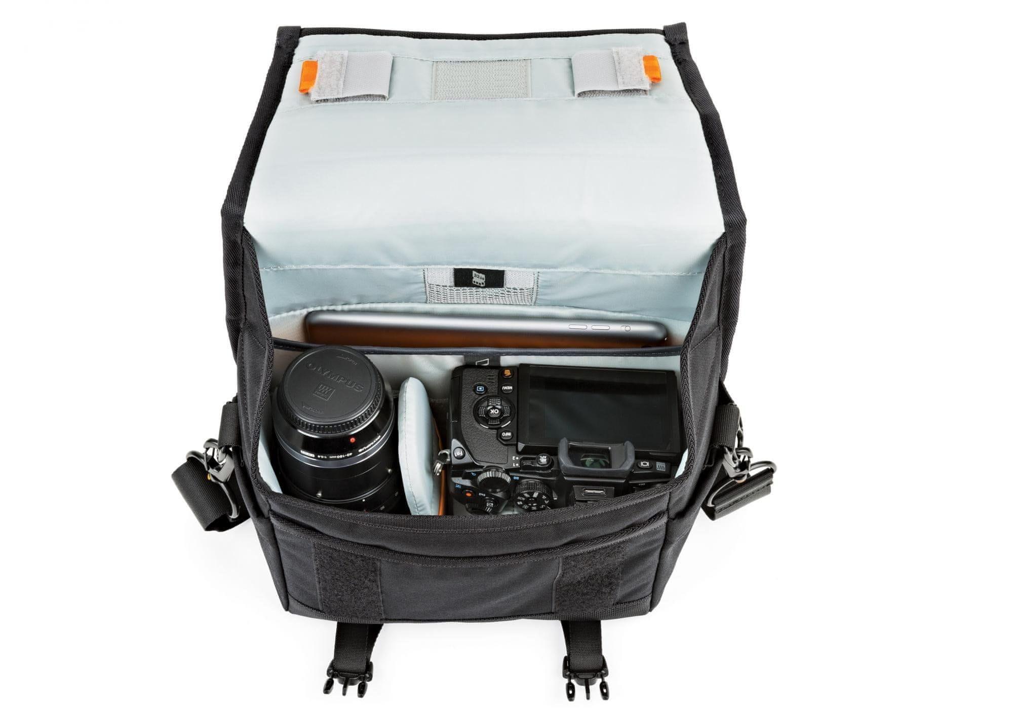 brašna na foťák Lowepro M-Trekker SH 150 black E61PLW37161 fotobrašna pláštěnka polstrovaná fotokomora