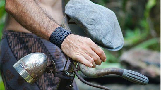 ARTcycleBALI Bransoletka z rośliną z kropkami BR_033