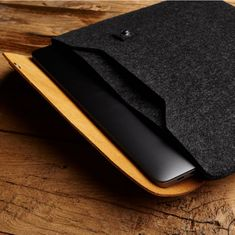"Mujjo Sleeve pro 15 "" Macbook Pro - žlutohnědý, MUJJO-SL-033-TN"