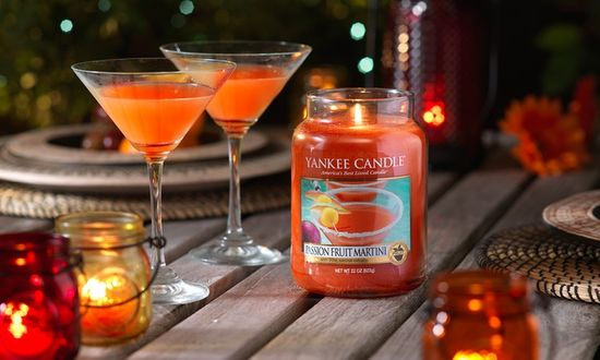 Yankee Candle vonná svíčka Passion Fruit Martini 623 g