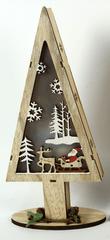 DUE ESSE Dřevěný svítící vánoční stromek 32 cm, Santa a sobí sáně