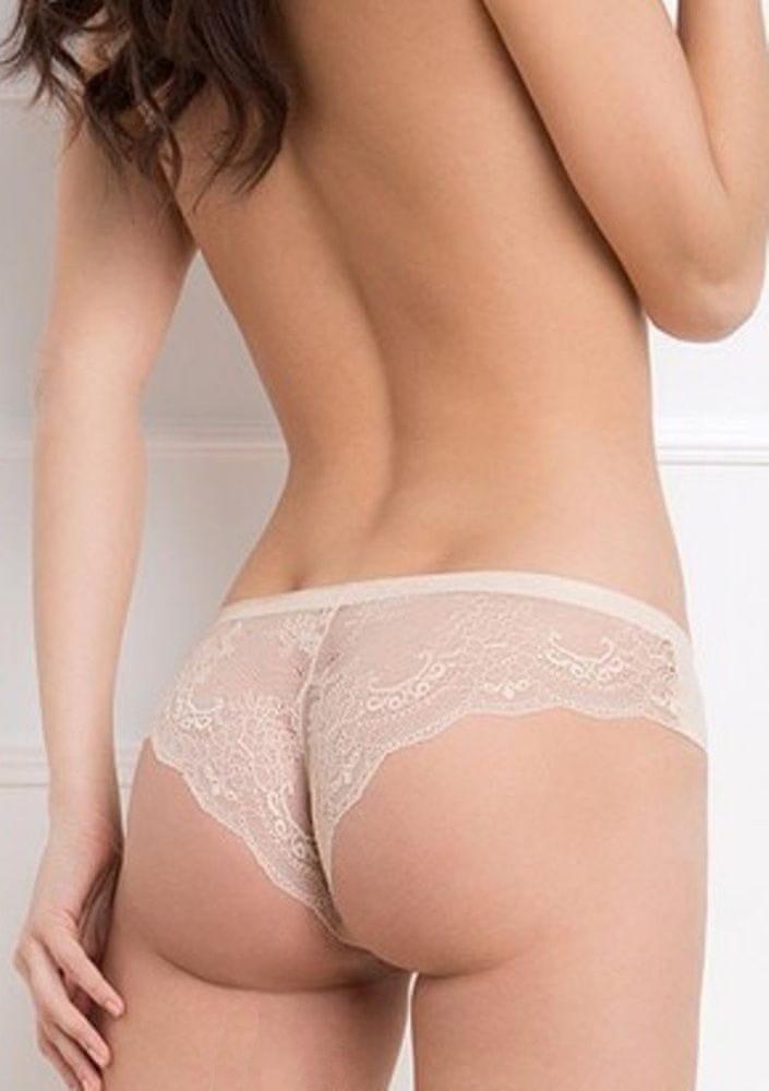 Julimex Dámské kalhotky Julimex Tanga M Tělová