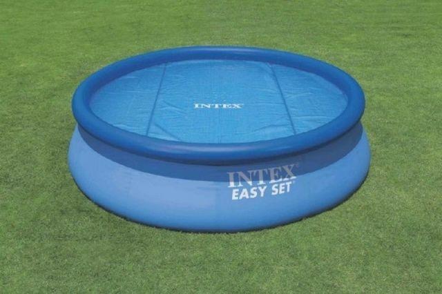 Teddies Krycí plachta solar pro bazén s prstencem Intex 244 cm