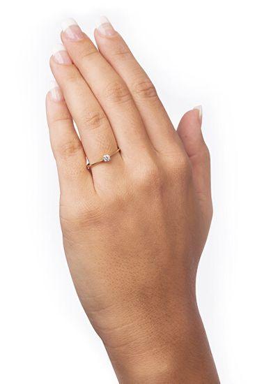Brilio Zaročni prstan iz rumenega zlata s kristalom 226 001 01036 rumeno zlato 585/1000