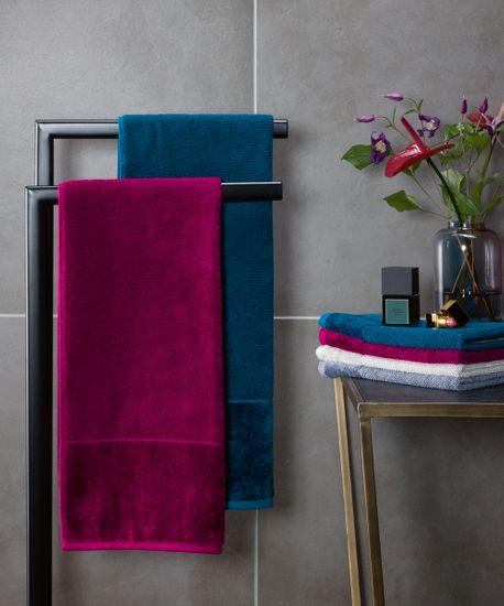 Möve Bambusova brisača 30x50 cm temno modra