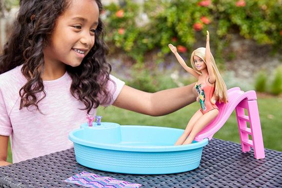 Mattel Lalka Barbie i basen