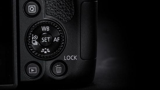 Canon EOS 850D + 18-135 IS USM (3925C020)