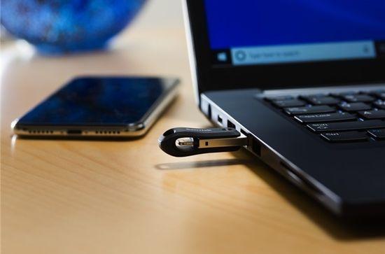 SanDisk iXpand Flash Drive Go USB ključ, 128 GB