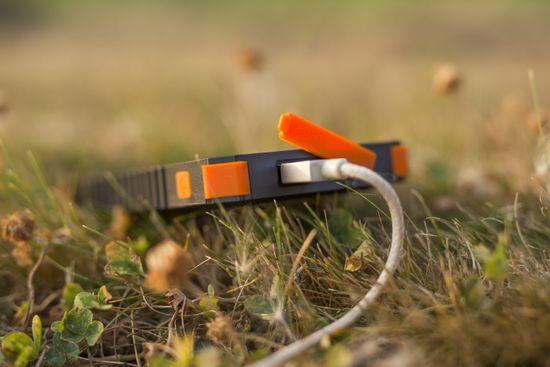 Xtorm Solar Charger Instinct 10 000 mAh AM123