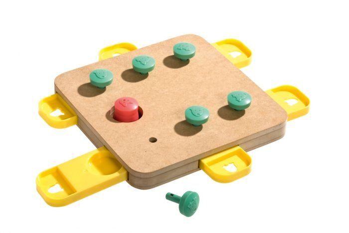 Karlie interaktivní hračka pro psy CUBE 32x32x5 cm