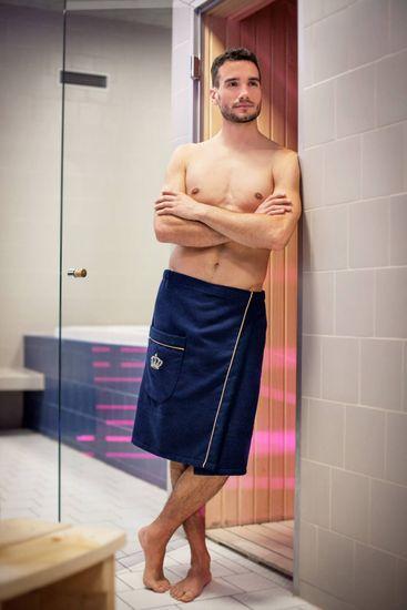 MaryBerry Pánský modrý kilt do sauny s výšivkou Royal in Blue – Golden Edition Velikost: S-M