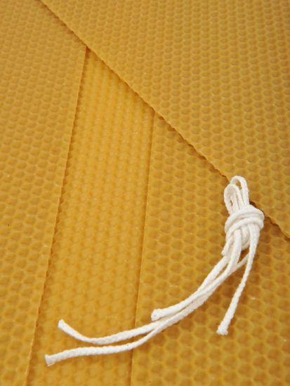 KOUPELNYMOST Sada na výrobu sviečok z plátov včelieho vosku-026 (VOSK-0026)