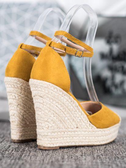 Női körömcipő 64900 + Nőin zokni Gatta Calzino Strech