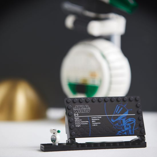LEGO model Star Wars™ 75278 D-O