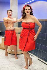 MaryBerry Dárkový set do sauny - dámský a pánský červený skotský kilt do sauny Velikost: S-M-L (dámský) + S-M (pánský)