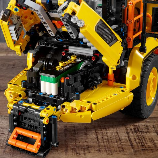 LEGO Technic 42114 Volvo 6x6 pregibni prekucnik
