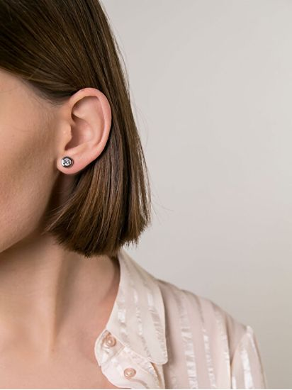 VictoriaWallsNY Acél bedugós fülbevaló kristályokkal VE1091S