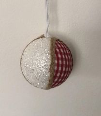 DUE ESSE komplet božičnih okraskov, rdeče-bele z bleščicami, Ø 8 cm, 6 kosov