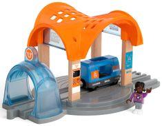 Brio World 33973 Smart Tech Sound željeznička postaja sa tunelom