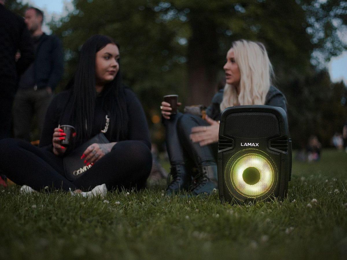 Vezeték nélküli LAMAX PartyBoomBox300 hangszóró vízálló 300 w teljesítmény erősítő mikrofon bemenet karaokéhoz