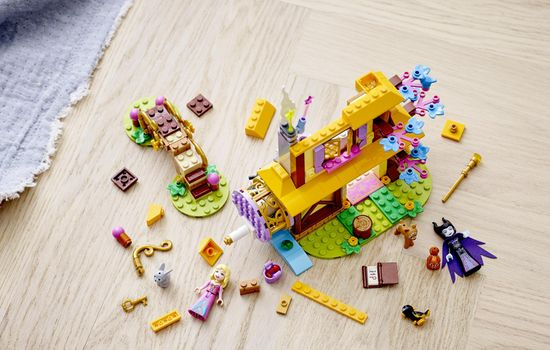 LEGO 43188 Disney Princess Trnuljčica in gozdna hiška