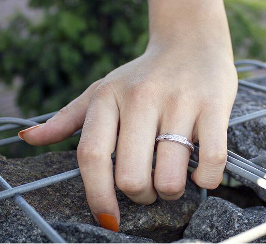 Beneto Srebrny pierścionek z cyrkoniami AGG26 srebro 925/1000