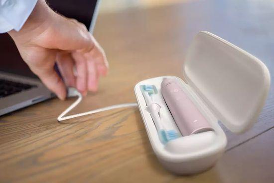 Philips Sonicare DiamondClean 9000 sonična električna zobna ščetka z aplikacijo (HX9911/29)