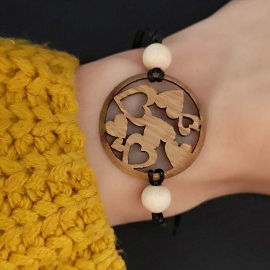 AMADEA Dřevěný náramek kulatý - srdce, 3 cm