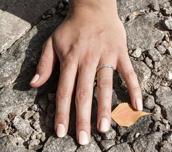 Beneto Strieborný prsteň s kryštálmi AGG184 striebro 925/1000