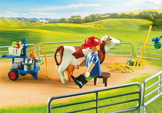 Playmobil kmetija s kmečkimi živalmi (70132)