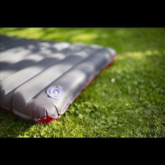 Yate Napihljiva blazina NOMAD 193 x 58 x 9 cm, rdeča / siva