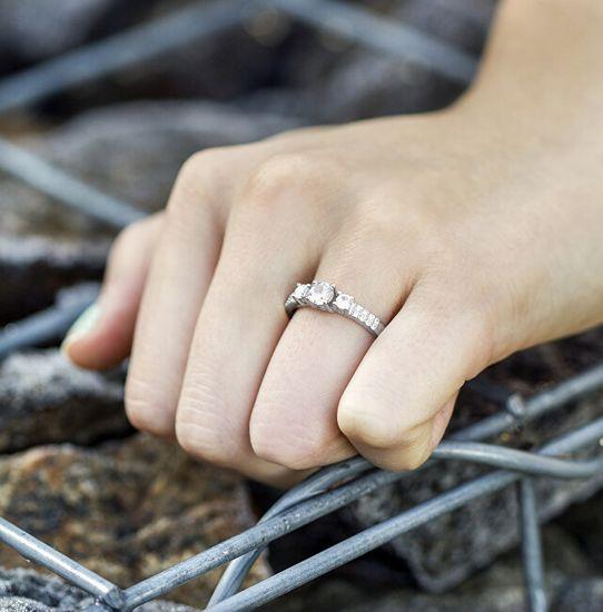 Beneto Srebrny pierścionek z kryształkami AGG197 srebro 925/1000