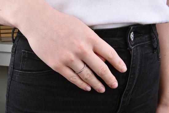 Troli Gyengéd minimalista acél gyűrű Silver