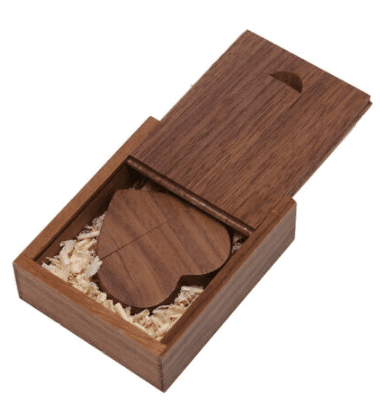 CTRL+C Pendrive drewniany SERCE + pudelko ORZECH