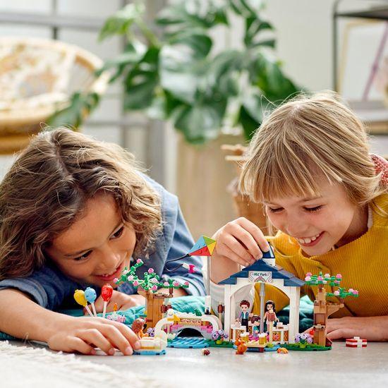 LEGO Friends 41447 Park v městečku Heartlake