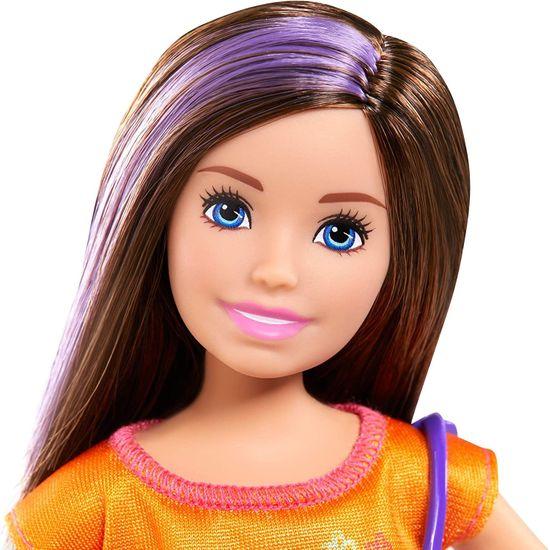 Mattel Barbie sestra s kupaćim kostimom i plavim koferom