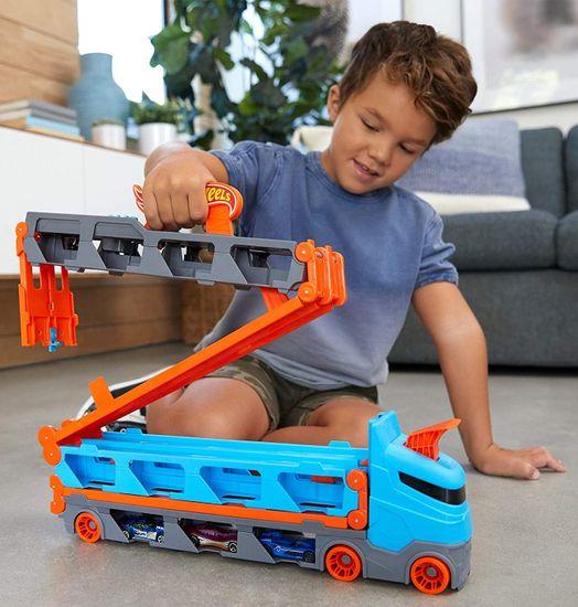 Hot Wheels Speedway Hauler™